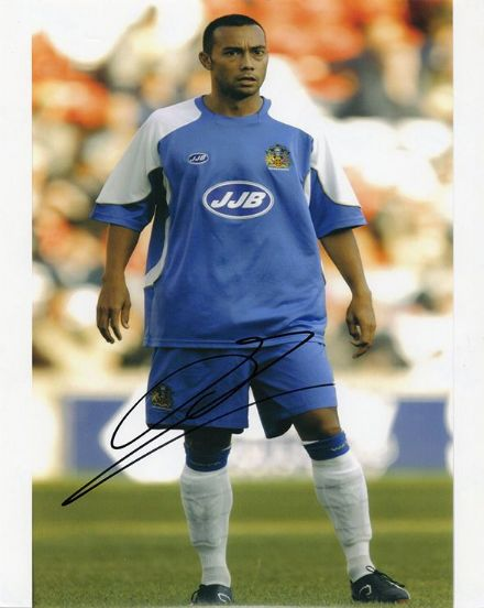 Denny Landzaat, Wigan Athletic & Holland, signed 10x8 inch photo.